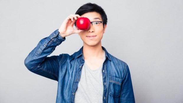用1顆不腐爛的蘋果就能學會算基金價值!小資女佑佑加碼教你看,基金公司跟平台哪個比較好!