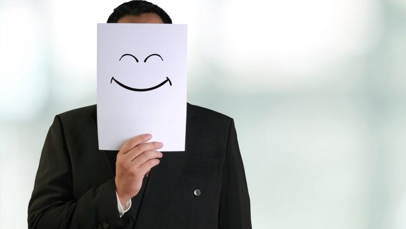 基金常勝策略》剛進場就景氣修正,乖乖認賠?錯!紀律買進,才能賺到「微笑曲線」!