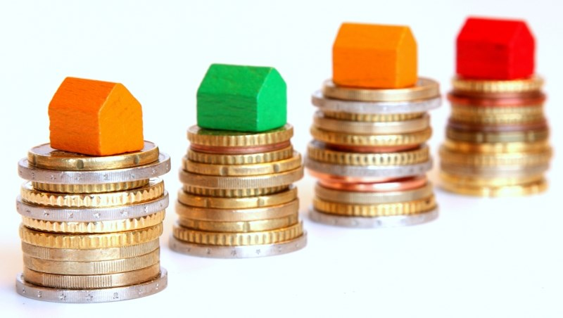 接到銀行電話想轉貸房貸,如何計算可省下多少錢?