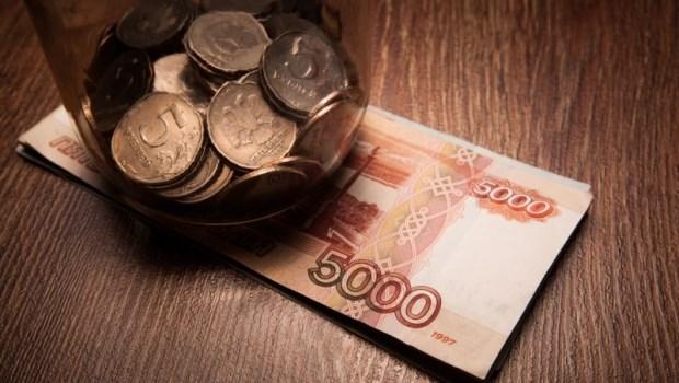 理財真實故事》月薪4萬8的小職員,如何還清房貸、60歲存到1500萬...