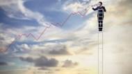 台積電擺尾衝新天價,台股攻上15557點再創新高