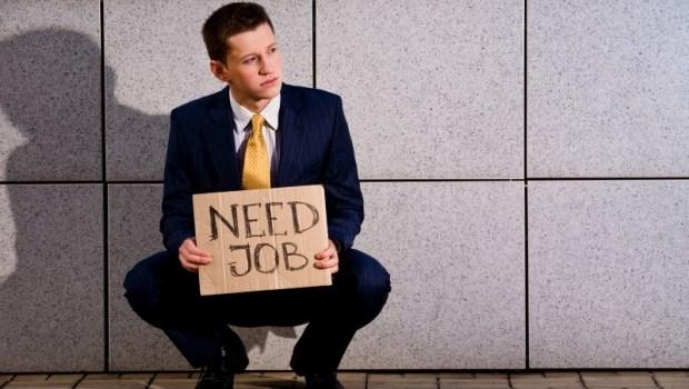 放寬資格!失業勞工符合2條件之一,子女就學補助最高可達2.4萬!