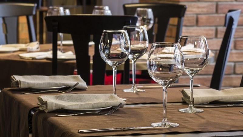 餐飲景氣見曙光 王品釋500個職缺 繼光第一線員工加薪4-5%