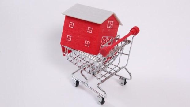 央行打房,真的不會打到首購換屋族?一文分析,現在買「預售屋」的風險