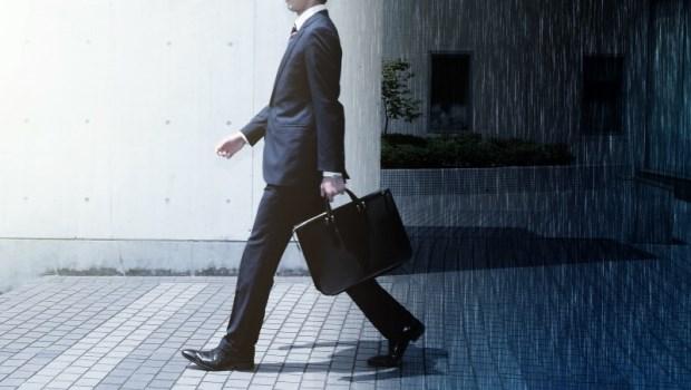 「背房貸、年過40還要養家」是你的縮影嗎?「認真工作」也許正是阻礙有錢的原因!