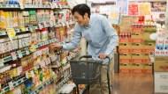 民生物資掀搶購潮 食品廠:訂單激增但備貨充足