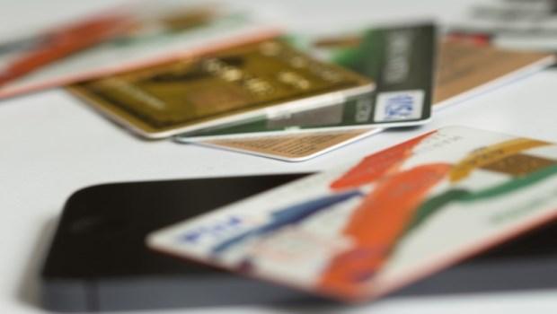 信用卡回饋》行動支付綁定哪張信用卡最優惠?小資Renee推薦:這11張回饋多,加碼傳授3攻略