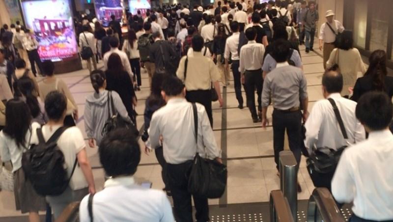 我們為什麼要當外送員?台灣有一半的員工月薪4萬以下...這才是根本問題!