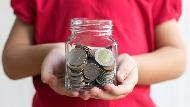 月存千元讓孩子10年後變富翁!基金、ETF、零股、定存,如何精準做選擇?