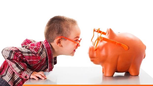 應該讓小孩有信用卡嗎?理財專家媽媽:提早累積信用、跟銀行往來非壞事!